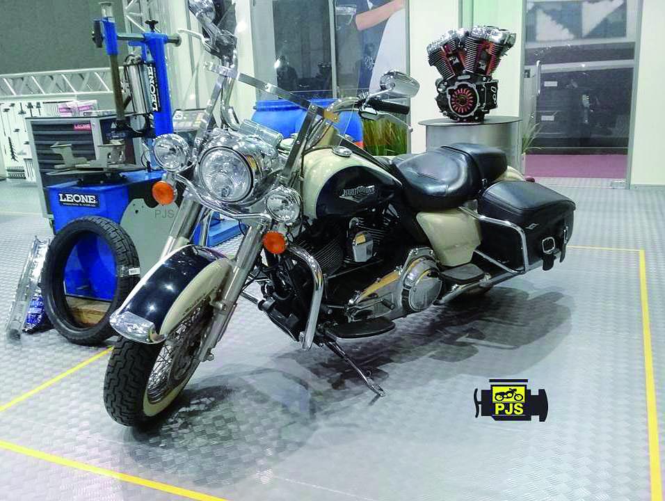 Motocicleta e equipamentos de borracharia