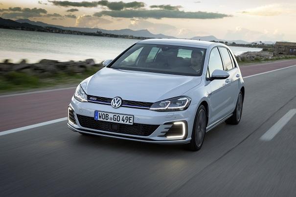 Golf GTE inicia eletrificação da Volkswagen no Brasil