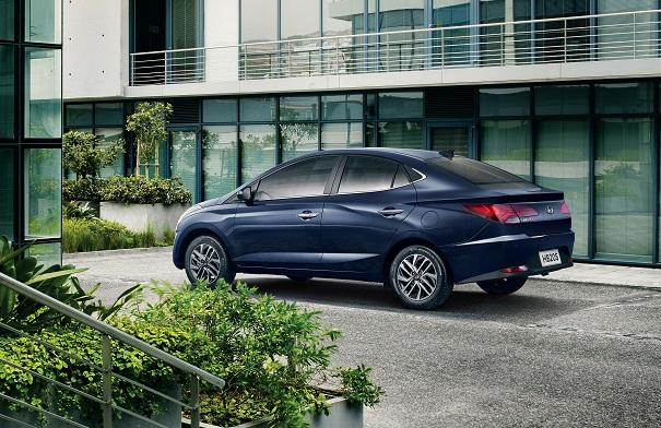 Hyundai divulga imagem completa da nova HB20S