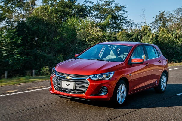 Chevrolet revela nova geração do Onix