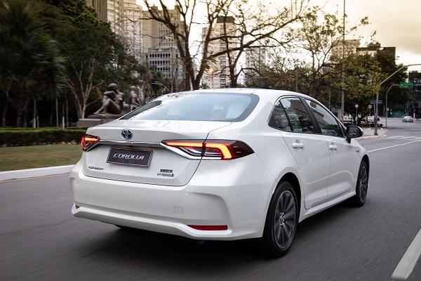 Toyota lança linha 2020 do Corolla com mudanças no visual e motor