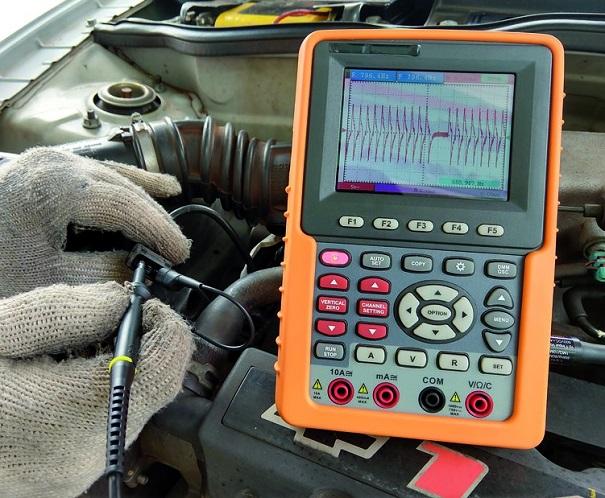 Medindo um sinal correto de rotação, virando o motor de arranque para geração do sinal.
