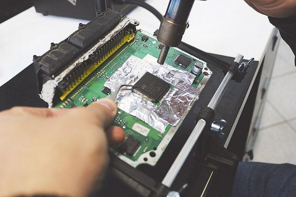 Foto 7 - Troca do processador da família ST10 do tipo QFP