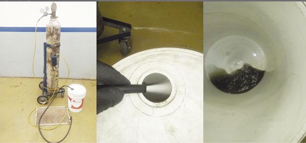 4A. Fazendo a limpeza de um condensador; 4B. Descartando o 141b com resíduos dentro de um balde branco; 4C. Dentro do balde podemos avaliar pelo produto que está saindo, se precisa ou não passar mais vezes. Como podemos ver este está bem sujo.