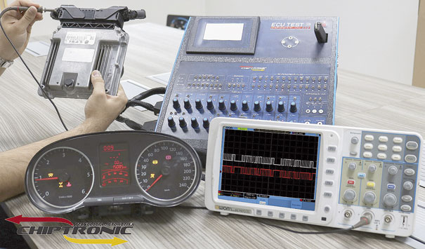 Fig. 5 - Teste de comunicação CAN entre as unidades de controle em bancada