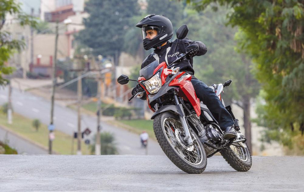 A chegada da concorrente da Yamaha fez a Honda reagir com a XRE 190